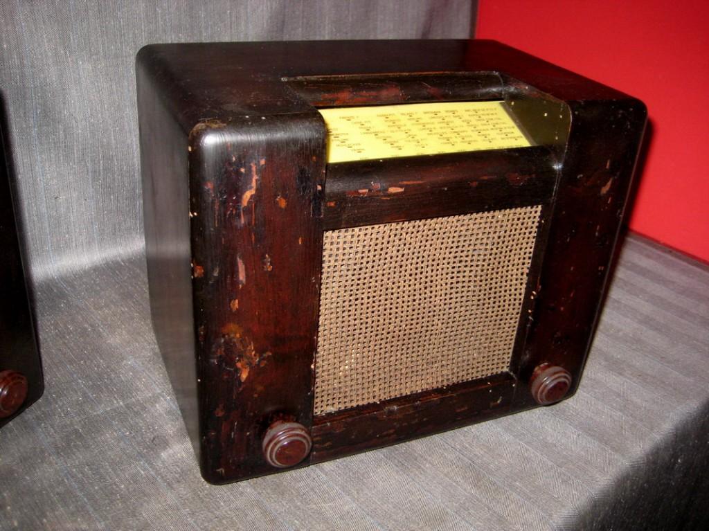 RADIO ROMA SAFAR 1° serie valvole americane telaio N°2038