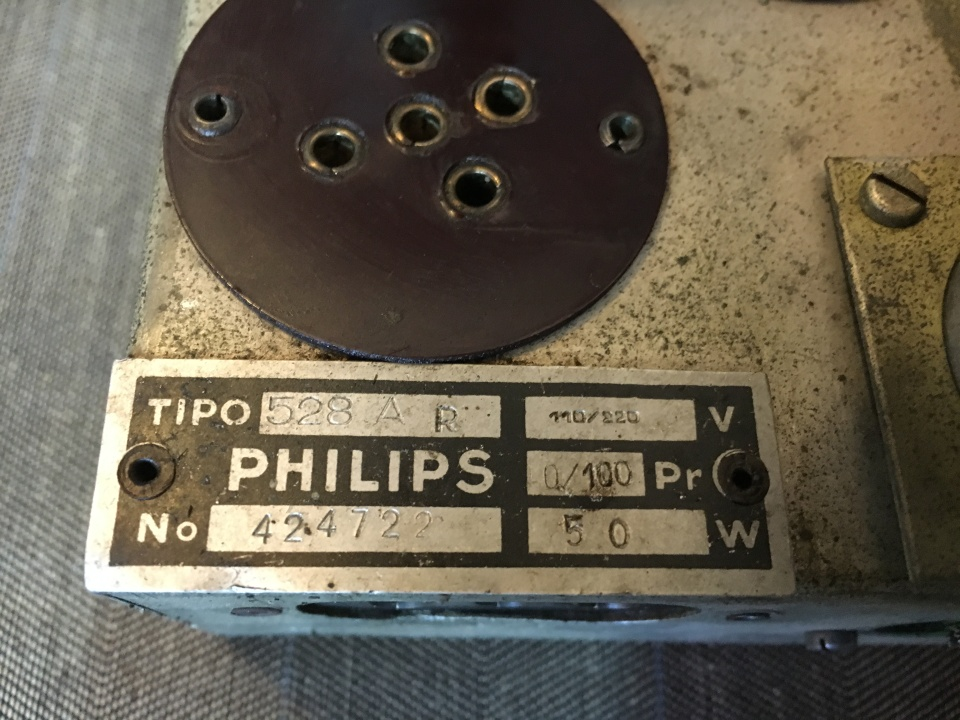 RADIO RURALE PHILIPS 528 AR 39