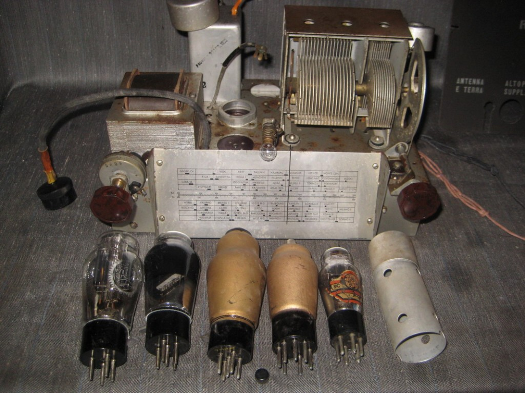 RADIO RURALE PHONOLA 680_40