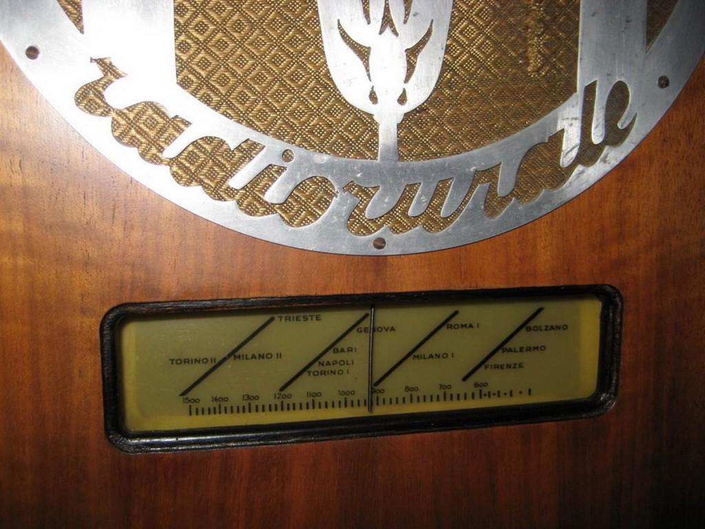 Radio rurale telefunken prima serie 18