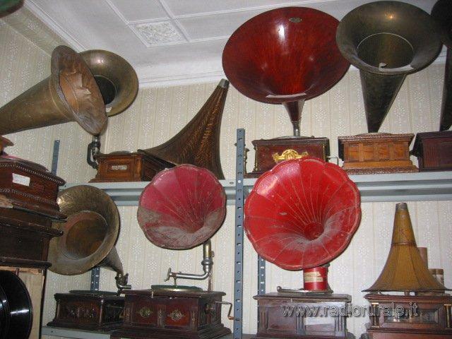 Blocco grammofoni a tromba compro collezione grannofoni