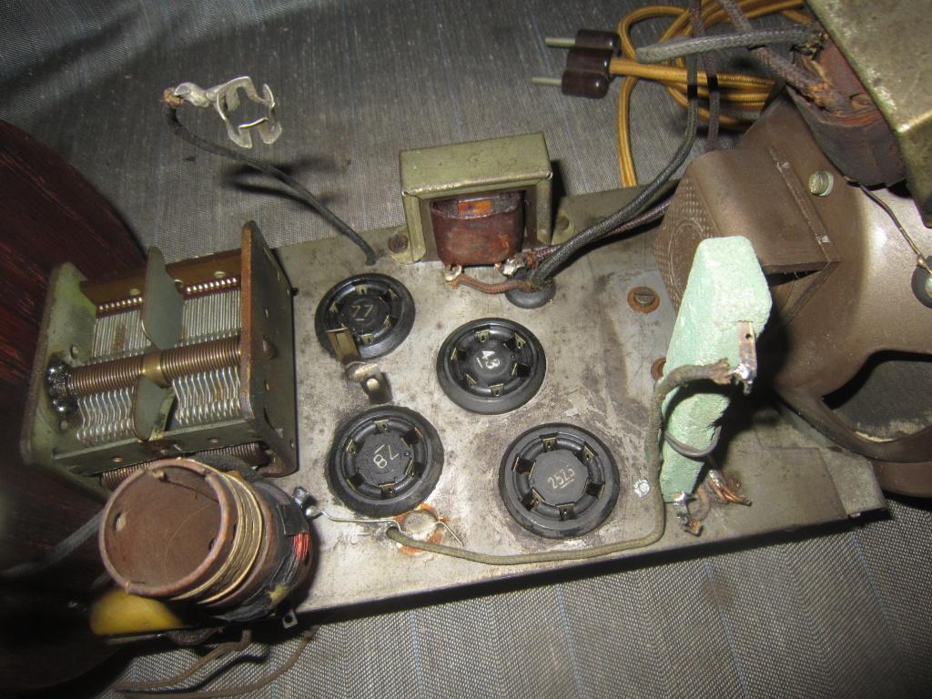 radio Clarion botte anni 30 fivre viola 21