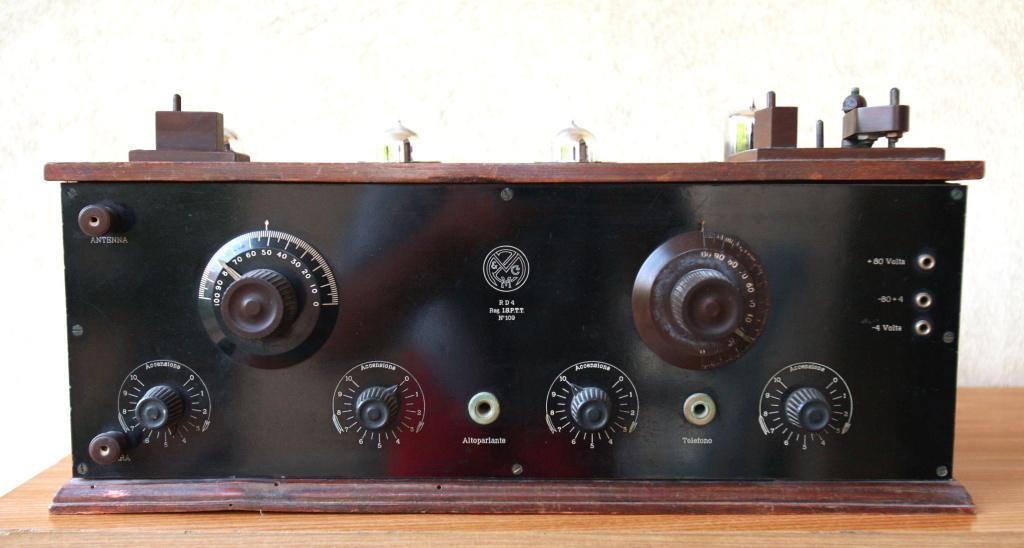 radio Zamburlini RD4 radio anni 20 a cassetta 4 valvole esterne