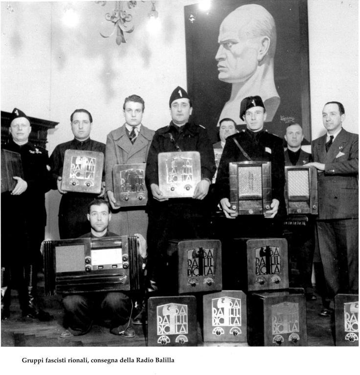 consegna radiobalilla gruppi fascisti rionali firenze
