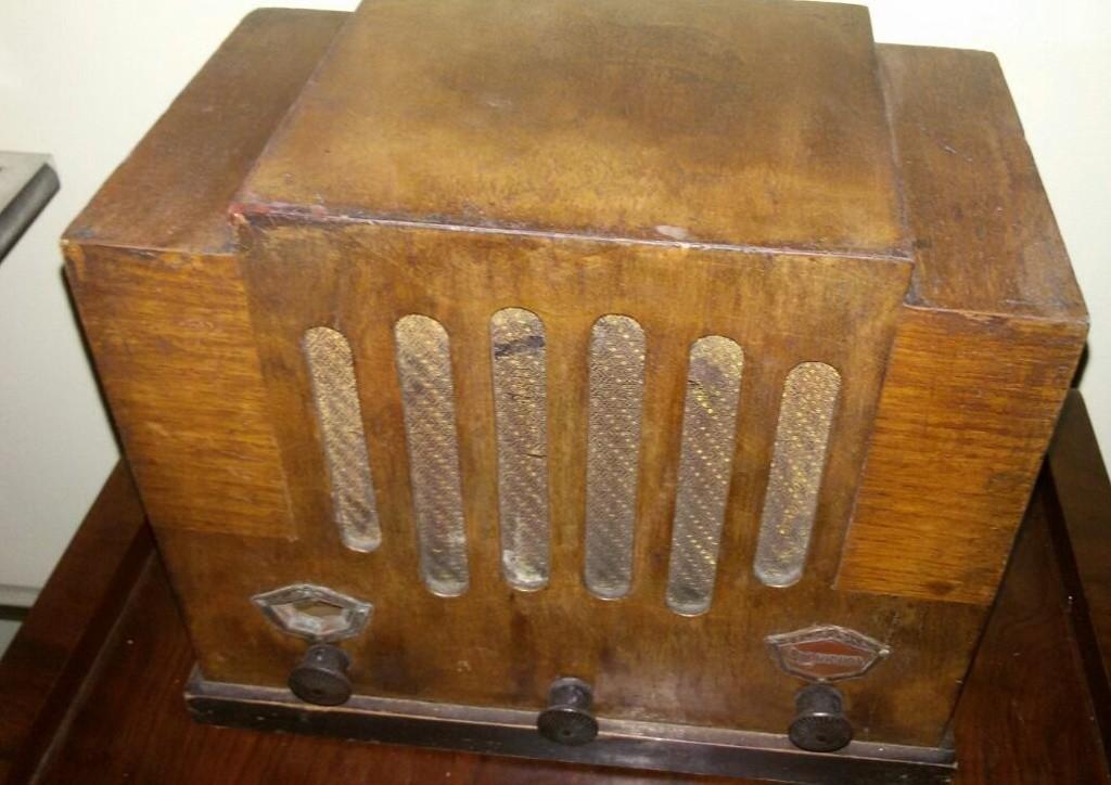 Radio Colonnetti Industriale radio, rara di Torino con chassis Pron