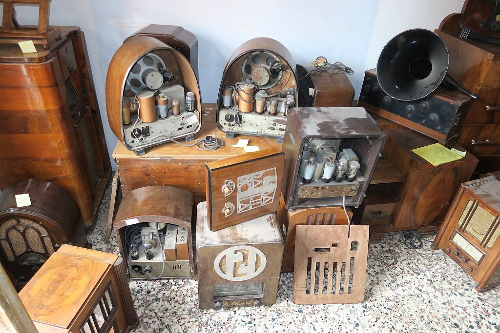 Dalla collezione Sampaoli di Rimini: radio anni 20 e 30 italiane