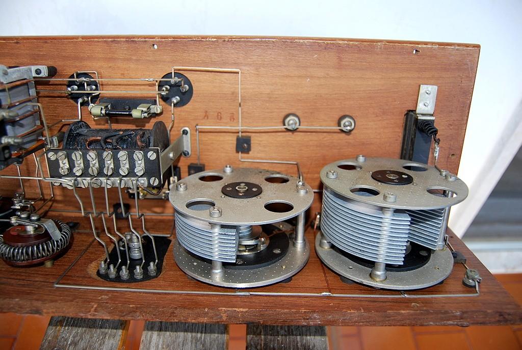 radio siti R2 M 4 valvole 5