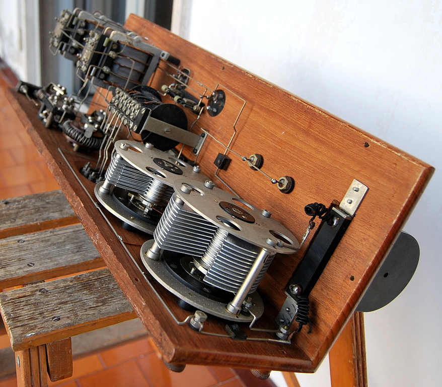 radio siti R2 M 4 valvole 8