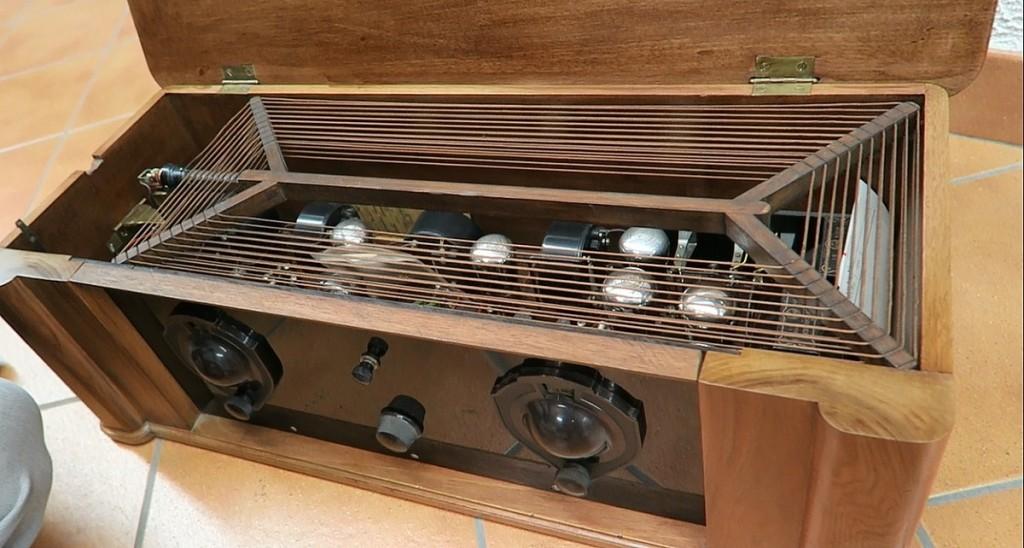 radio ravalico trieste anni 20 valvole 1
