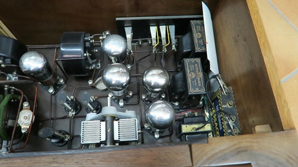 radio ravalico trieste anni 20 valvole 10