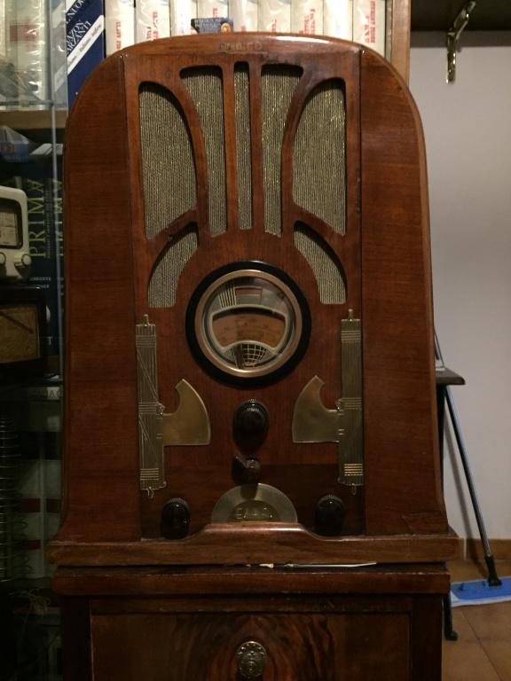 radio con fasci posticci