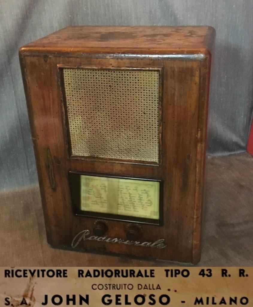 GELOSO MOD. RR43 RADIORURALE  alim. a corrente continua 100/220 volt
