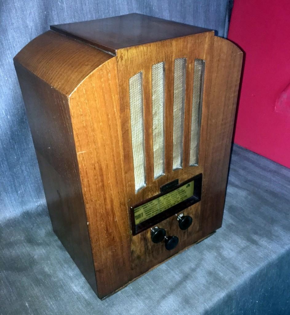 Radio Magnadyne modello M44 versione scala parlante