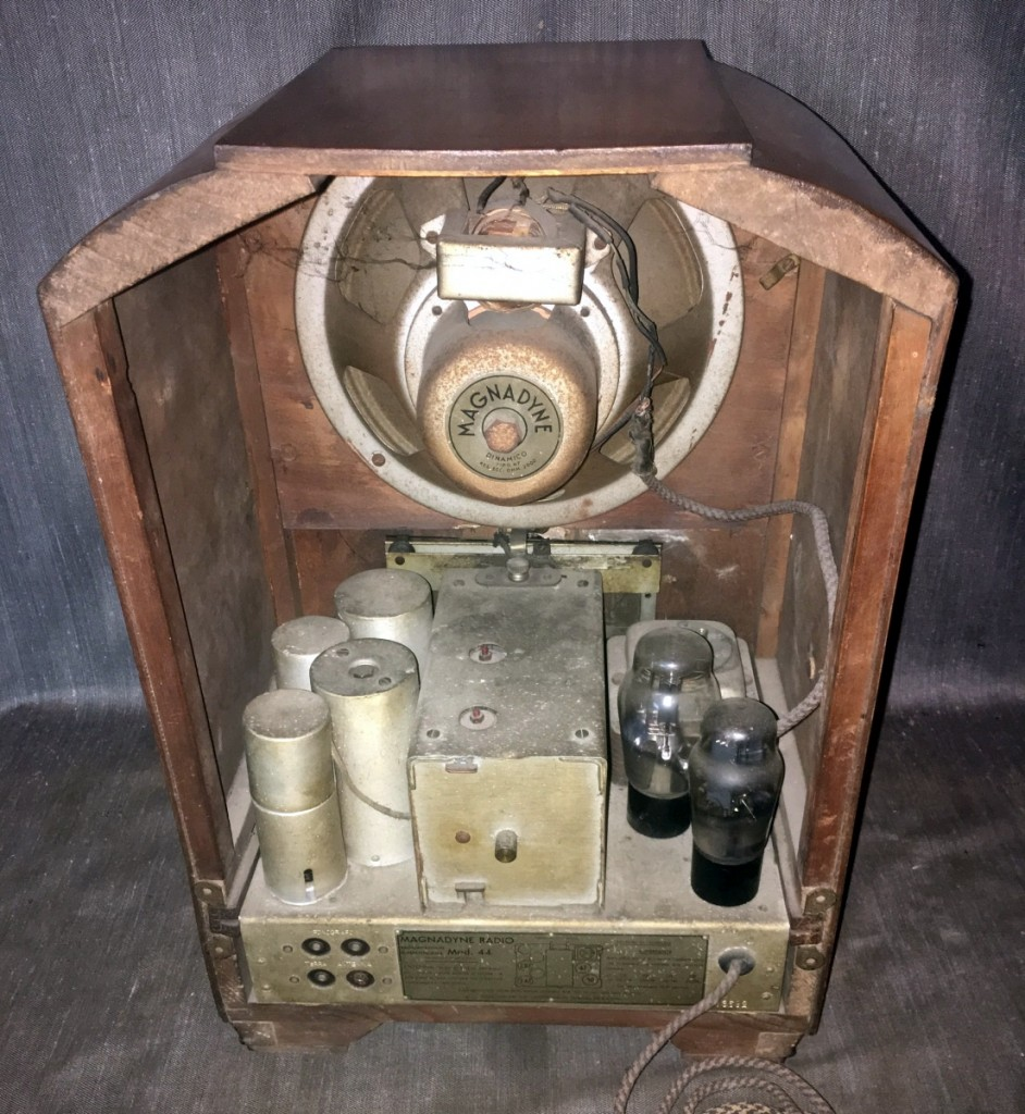radio Magnadyne M44 7