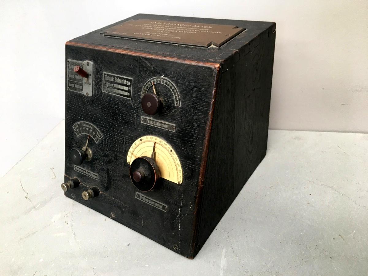 radio: generatore di onde persistenti per ricezione. Senatore Artom