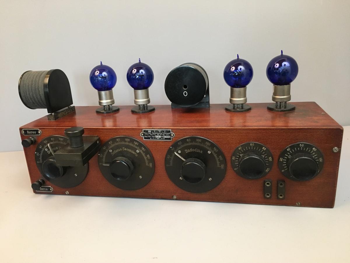 RADIO SITI R 4  n° 1204 MOBILE 22 prima serie valvole 0,7 amper a palloncino