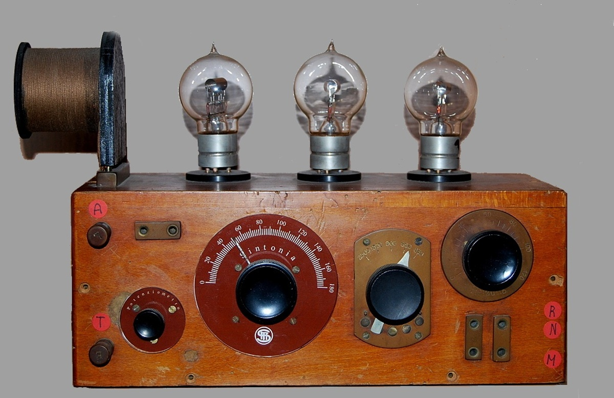 Radio anni 20 3 valvole SITI S.I.T.I. 3 VALVOLE ESTERNE
