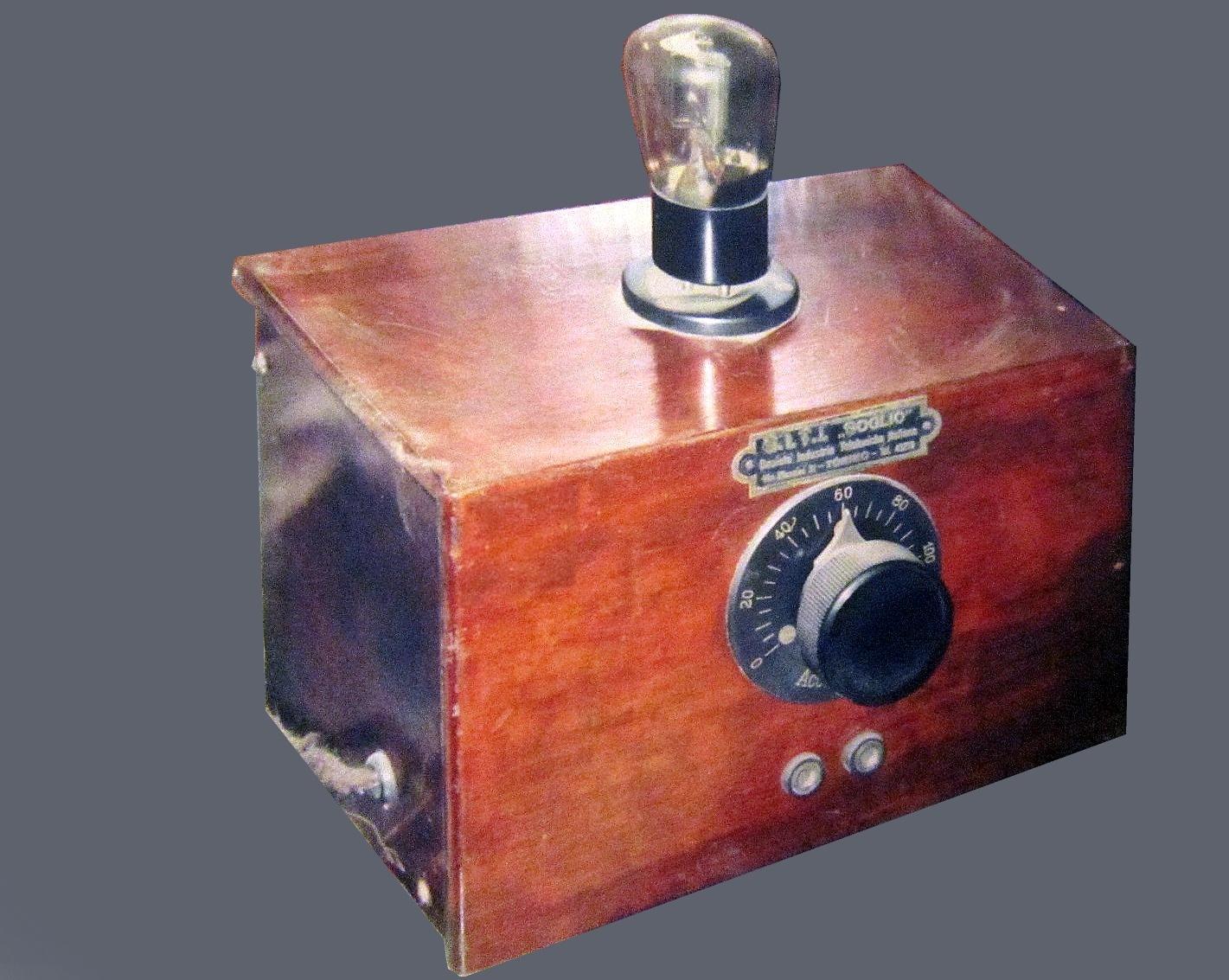 Radio anni 20 SITI A 1 amplificatore a 1 valvola