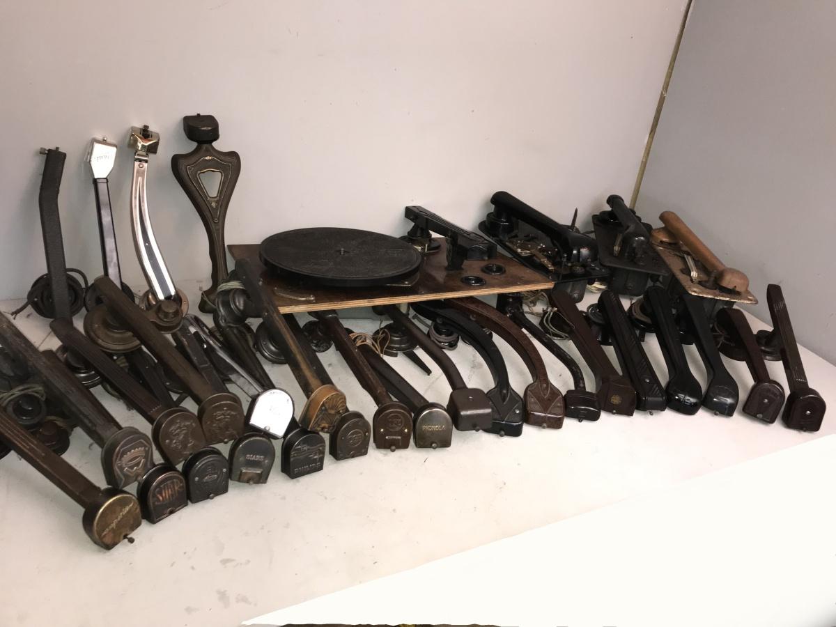 Collezione di braccetti giradischi 78 giri, tutti diversi, tutti italiani