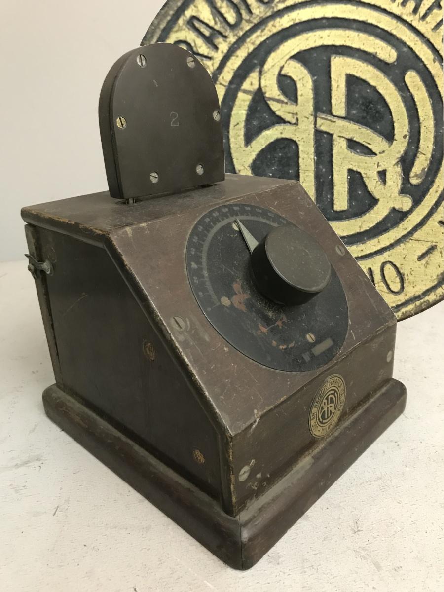 Radio anni 20 SARI S.A.R.I. Società Anomima Radiotelegrafica Italiana. Mobile 19