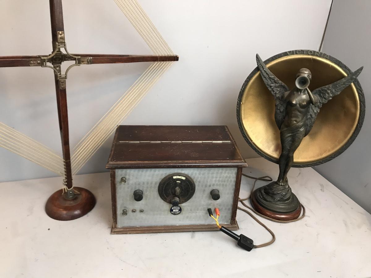 RADIO VITTORIA TORINO MODELLO R.V. 2 APPARECCHIO N° 123